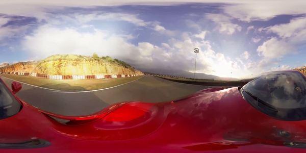RACING-Ferrari F12 on Track!
